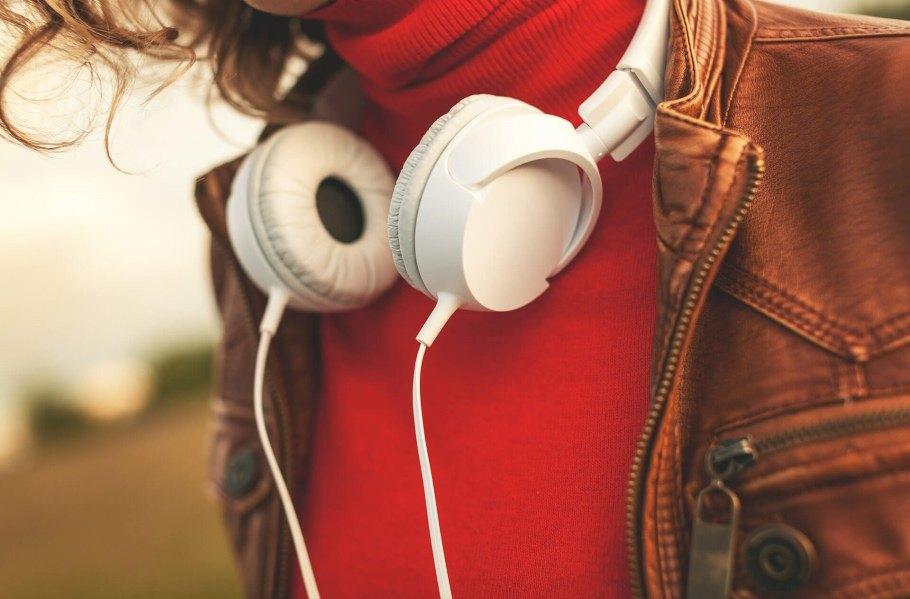 я слушаю музыку жизни картинки честь девушки только